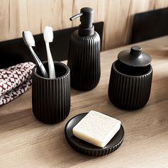 Accessoires de salle de bain à poser - Idées déco #sdb #zodio #décoration #ambiance #black #accessoires #bain #détails