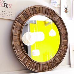 Miroir en orme 80x80 Sola Un bois recyclé chaleureux et authentique