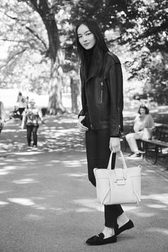 Favorite Fall activity: a nice stroll in Tod's Italian style. Discover #CiaoByTods with Fei Fei Sun at www.tods.com #TodsDoubleT