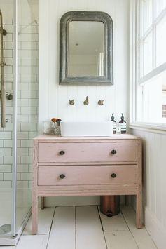 28 façons de donner à votre salle de bain une Vibe Shabby Chic