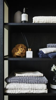 H&M HOME | Make folding laundry something to look forward to with textured, pure cotton towels and spa-inspired fragrance sticks.