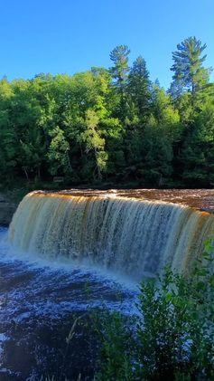 Trail to Upper Falls of Tahquamenon Falls PICS: Best waterfalls to SEE in Tahquamenon Falls State Park 🌳 UP Michigan travel blog | Flashpacking America