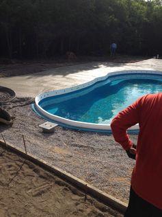 swimming pool dealer