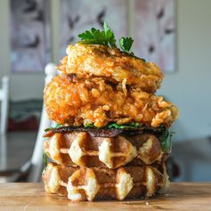 A Canadian Match Made in Nashville: Sriracha–Honey Fried Chicken and Cheddar-Beer Waffles   FWx