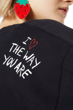 I love the way you are! Discover Desigual Jumpers Collection on our website.