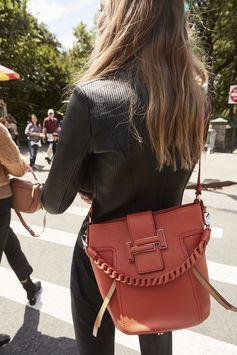 Details of a cheerful elegance. Discover the new Fall-Winter campaign at ww.tods.com