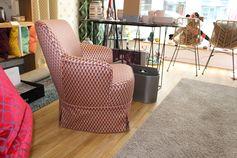 Kleiner Sessel mir Schabracke Stoff DEDAR Serpentino Orangecko