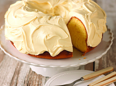 Fluffy Frosting Stretcher – Don't you hate how 1 can of frosting never seems to cover the entire cake? Stretch that frosting by mixing it with an 8-oz. tub of thawed COOL WHIP Whipped Topping before using as desired. Then, keep frosted cake refrigerated. #PinThatTwist