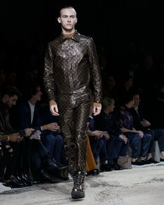 Last look from the Louis Vuitton Fall-Winter 2018 Fashion Show by Kim Jones. See all the looks now at louisvuitton.com.