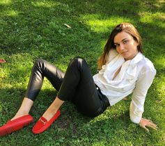 "On set for the #Tods ADV Campaign with Andreea Diaconu: ""I wanna be loafed"". #TodsGommino"