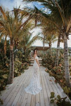 Photos from Shanina Shaik's Bahamas wedding including dress, venue, cake, party and more - Vogue Australia
