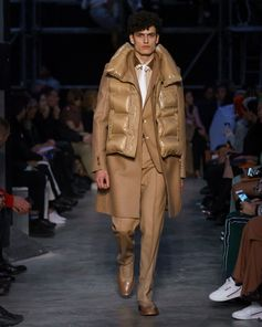 Look 72 from Tempest, #RiccardoTisci's #Burberry Autumn/Winter 2019 show