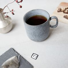 Mug en porcelaine gris ardoise House Doctor : Decoclico