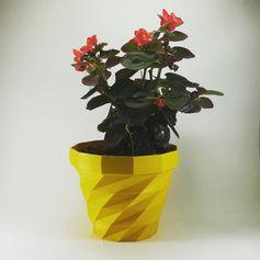 Creartec 3D #impresiones3D #flowerpot #3dprinted #summer #amarillo #prusai3 #practical