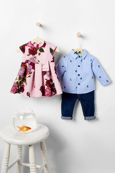 Oh-so-sweet and comfortable to boot, Ted's marvellous range of designer baby clothes is guaranteed to start them off in the right direction.