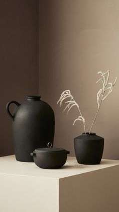 H&M HOME | Simplicity wins with these chic ceramic pots, jugs and vases.