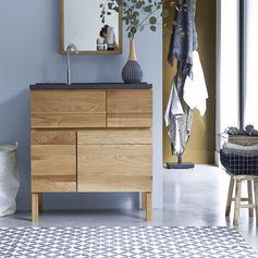 Ses lignes simples et élégantes en font un meuble au style contemporain. Son bois de chêne à l'aspect veiné apportera à votre intérieur une note chaleureuse et authentique. #tikamoon