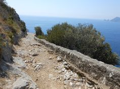 Path to Punta Campanella.