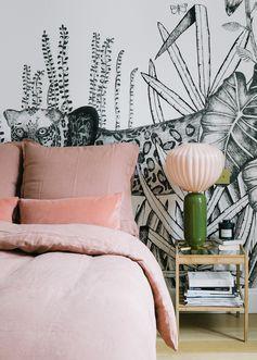 Nous allons en ce beau dimanche découvrir l'appartement parisien de Sézane, au charme chic et contemporain. Très inspirant comme la créatrice de la mar