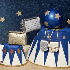 Sparkling gift inspiration: these Tod's Gommino bags will enhance your holiday nights. Discover all Tod's gift ideas at tods.com  #TodsLovesCircus #TodsGommino