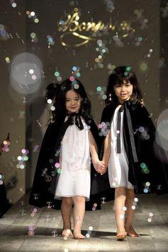 mode-fille-hiver-robe-cape Bonpoint - Défilé de la collection 2008 ...