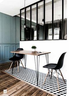 Big industrial windows / Verrière pour séparer la cuisine et le coin salle à manger