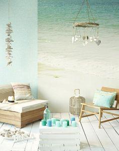 ambiance d'ete, au bord de la mer, couleur turquoise, lustre insolite, mer,