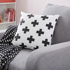Coussin Croix, blanc et noir l.40 x H.40 cm  #leroymerlin #tendance #citypop #coussin #blackandwhite #motif #ideedeco #madecoamoi