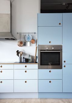 Kitchen fronts are from Reform.