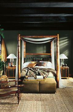Transformez votre chambre en refuge exotique avec les couleurs Round Hill et Black Dose de la palette Modern Naturals de Ralph Lauren Paint.