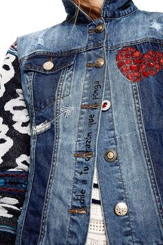 Women's denim jacket with deconstructed design and contrasting details. Floral knit sleeves with glitter effect. Find out more on Desigual website.