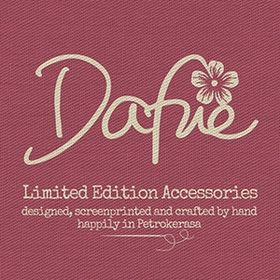 Dafne limited edition accessories