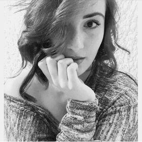 Larissa Schales