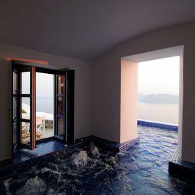 IKIES Hotel Santorini