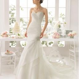 billigt och trevligt brudklänning