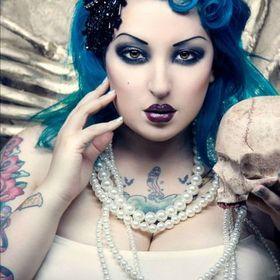 Fantasy Fashion Fanatics