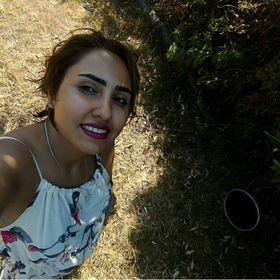Mina Moghbelzadeh