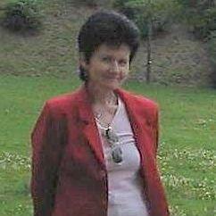 Eva Szentmiklossy