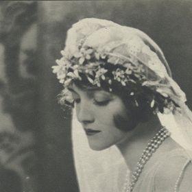 AmoreTreasure.etsy.com - Bridal Hair Accessories & Wedding Jewelry