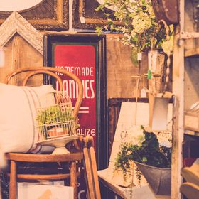 Hampden Street Antique Market