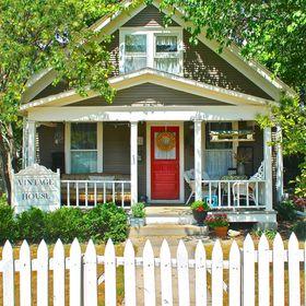 Vintage House 7612