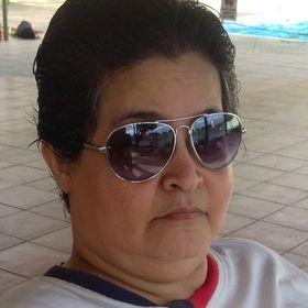 Leandra Perdomo