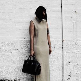 WHITE AND CAPSULE - Fashion & Lifestyle Blog