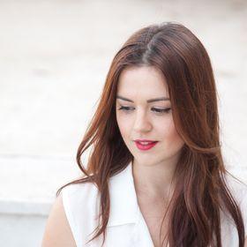 Anna Elezi