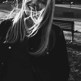 Elise S M