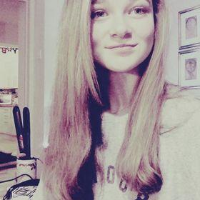Elise Harwood⚡️