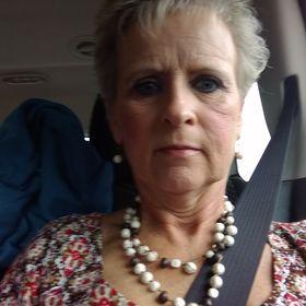 Linda Samples