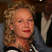 Yvette Lambregts