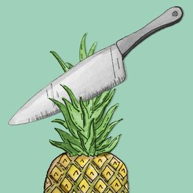 TO CUT A PINEAPPLE