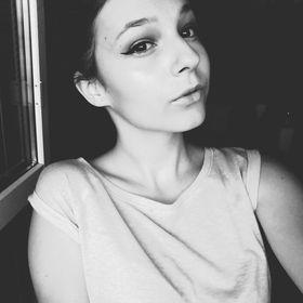 Leňa Barabášová